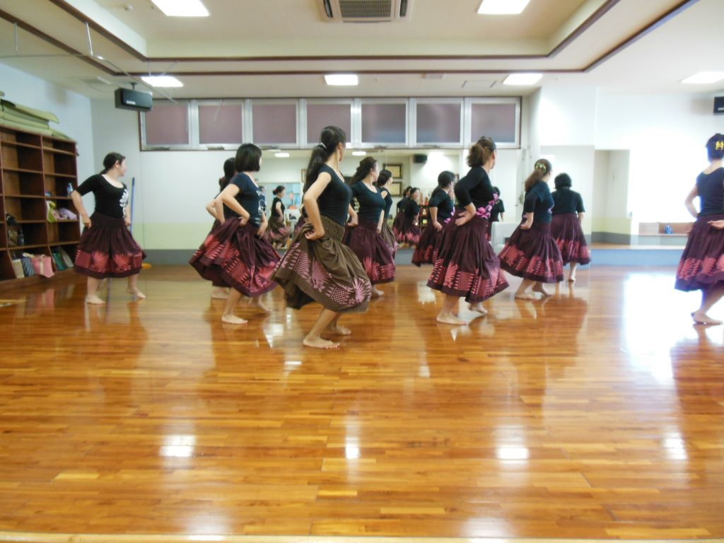 Hula practice in Okinawa. (Photos by Louis Wai)