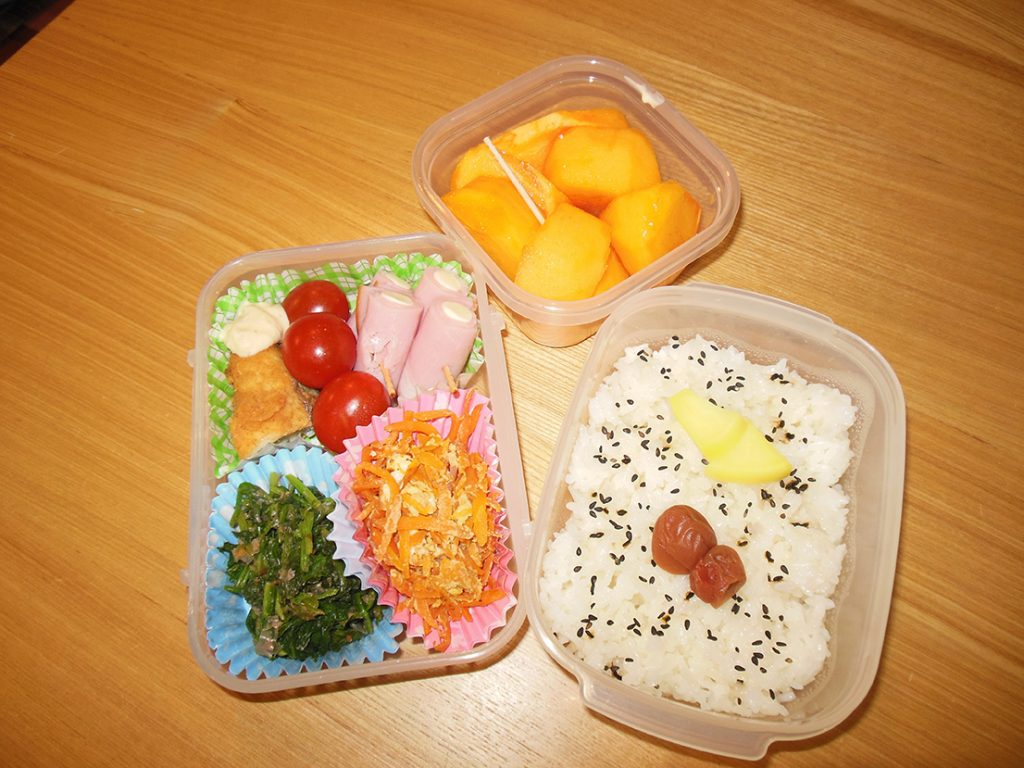 On the other hand, Riemi's mother-in-law, Hisae-chan, packs bentö like this every day for her husband Ayao-san.