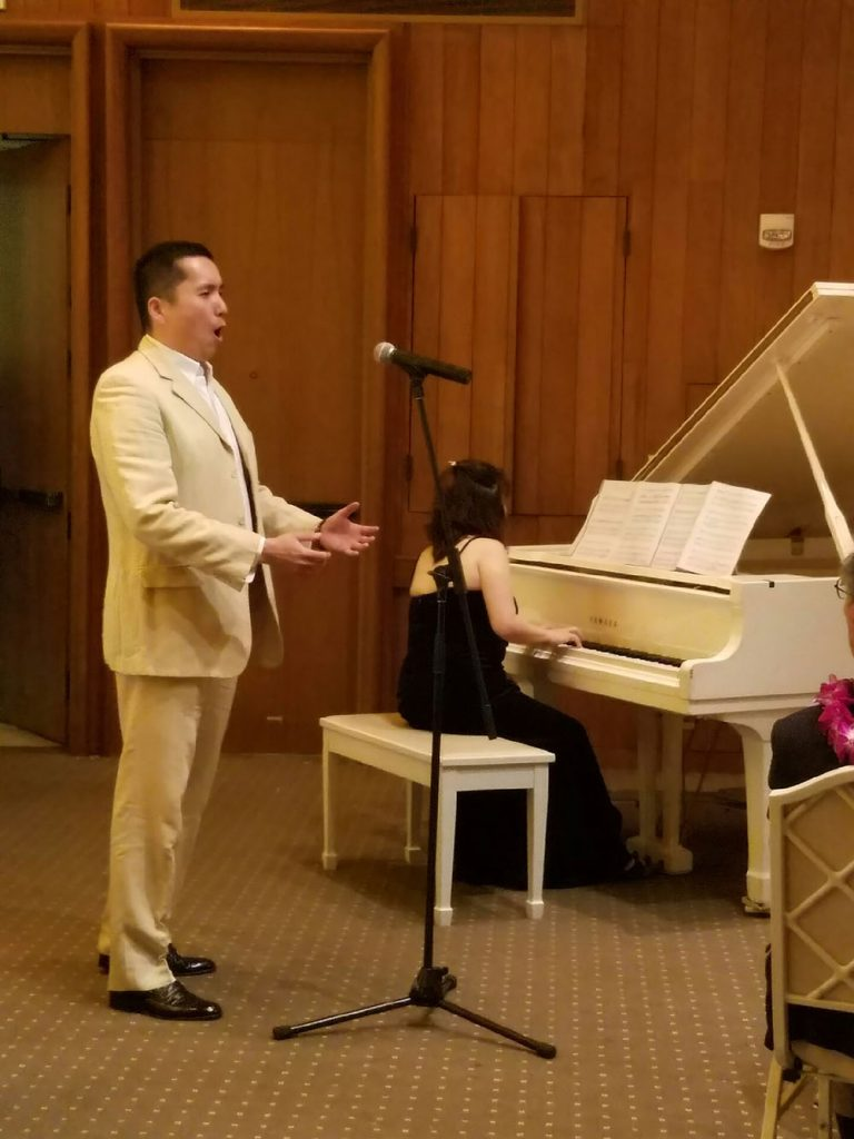 Rev. Takamasa Yamamura collaborated with piano soloist Lisa Nakamichi for a song at the Shufu Society of Hawaii's 50th anniversary banquet in March.