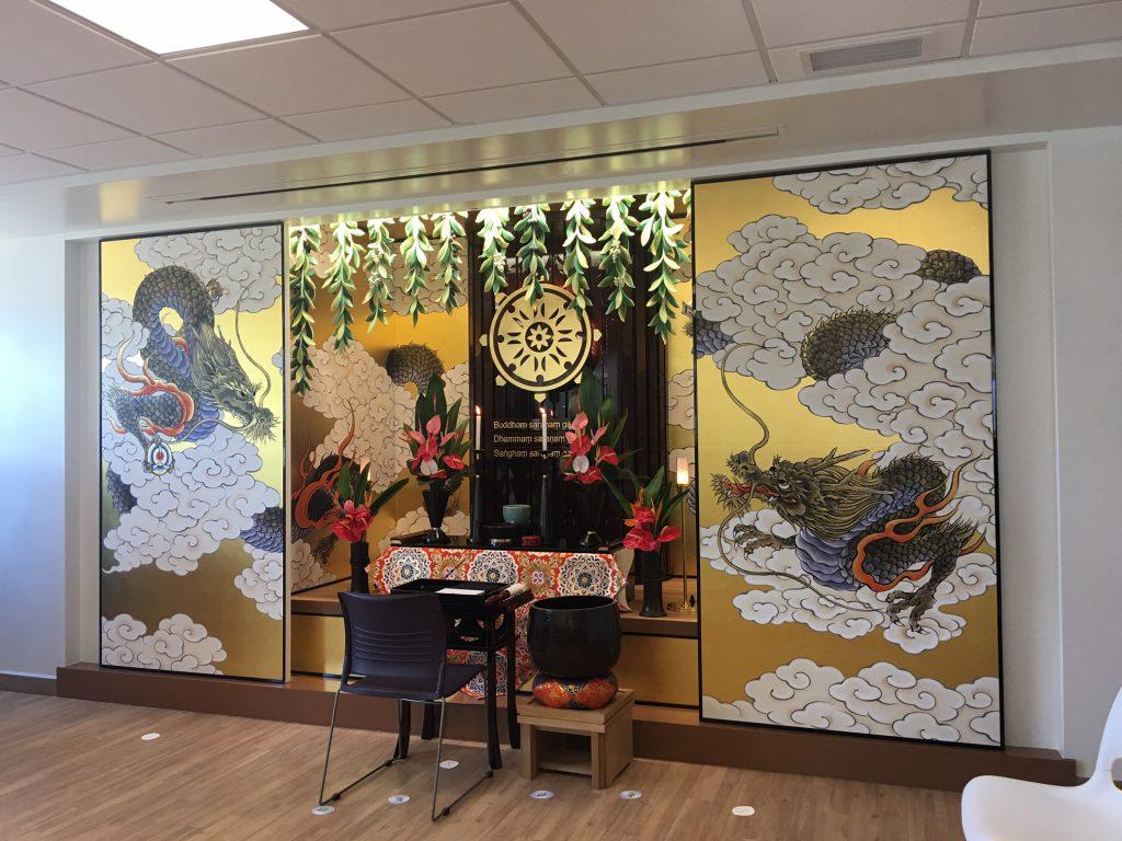 The altar was donated by Jodo Shinshu Hongwanji-ha.